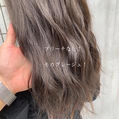 ブリーチなし ナチュラル グレージュ ロング ヘアスタイルや髪型の写真・画像
