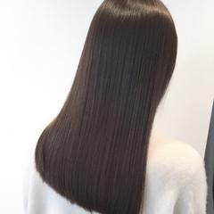 ミディアム インナーカラー 切りっぱなしボブ フェミニン ヘアスタイルや髪型の写真・画像