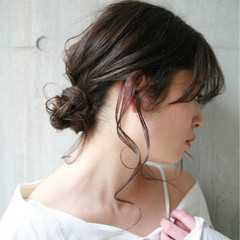 ヘアアレンジ セミロング ゆるふわ フェミニン ヘアスタイルや髪型の写真・画像