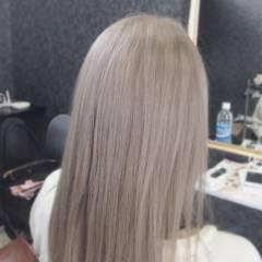アッシュグレージュ 外国人風 ホワイトアッシュ ラベンダーアッシュ ヘアスタイルや髪型の写真・画像