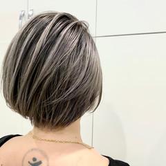 バレイヤージュ ストリート 大人ハイライト ショート ヘアスタイルや髪型の写真・画像