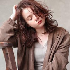 ベリーピンク ウルフカット ミディアム ピンクラベンダー ヘアスタイルや髪型の写真・画像