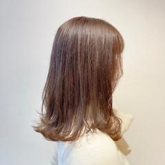 ナチュラル 透明感カラー ヌーディベージュ ベージュ ヘアスタイルや髪型の写真・画像