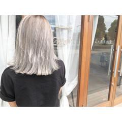ボブ ストリート 切りっぱなし シルバー ヘアスタイルや髪型の写真・画像