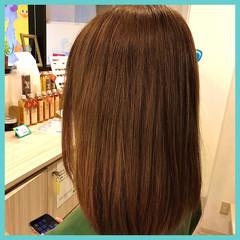 セミロング アプリコットオレンジ オレンジベージュ イエローブラウン ヘアスタイルや髪型の写真・画像