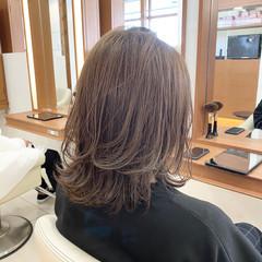 ミディアムレイヤー 外ハネ ミディアム 外ハネボブ ヘアスタイルや髪型の写真・画像
