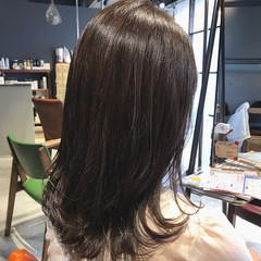 oggiotto 切りっぱなし ミディアム ナチュラル ヘアスタイルや髪型の写真・画像