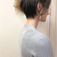 ショートボブ アッシュグレー 大人女子 アッシュ ヘアスタイルや髪型の写真・画像