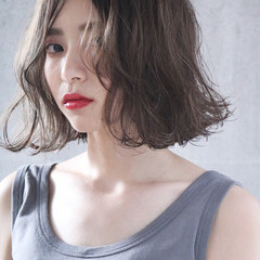 アンニュイほつれヘア ミルクティーグレージュ ミルクティーアッシュ ミルクティーベージュ ヘアスタイルや髪型の写真・画像