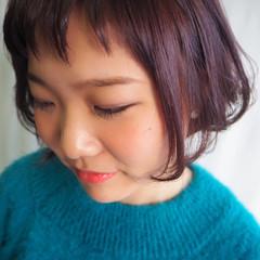 フェミニン アシメバング ピンクアッシュ ボブ ヘアスタイルや髪型の写真・画像