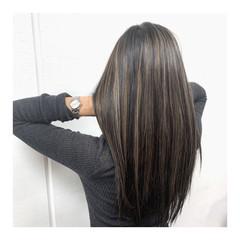 極細ハイライト ハイライト ロング ナチュラル ヘアスタイルや髪型の写真・画像