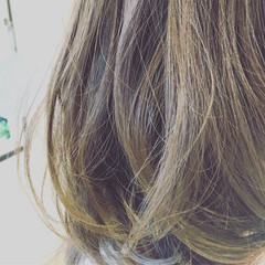 ゆるふわ ミディアム グラデーションカラー 前髪あり ヘアスタイルや髪型の写真・画像
