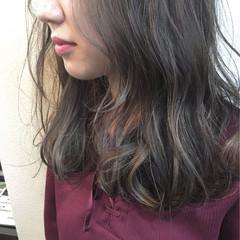 グレージュ 外国人風 暗髪 ハイライト ヘアスタイルや髪型の写真・画像