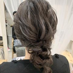 ナチュラル 結婚式ヘアアレンジ ミディアム 編みおろし ヘアスタイルや髪型の写真・画像