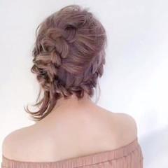 フェミニン 可愛い 編み込み ナチュラル ヘアスタイルや髪型の写真・画像