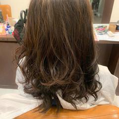 フェミニン 大人ハイライト 大人可愛い セミロング ヘアスタイルや髪型の写真・画像
