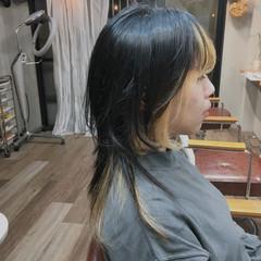 ウルフカット インナーカラー 切りっぱなしボブ ハンサムショート ヘアスタイルや髪型の写真・画像