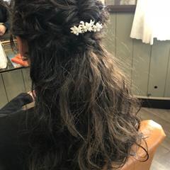 ロング 編み込み ナチュラル 結婚式 ヘアスタイルや髪型の写真・画像