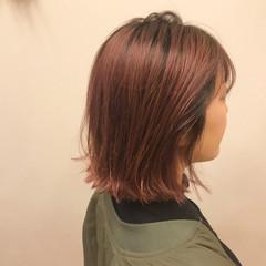 ナチュラル ピンクバイオレット アウトドア ピンク ヘアスタイルや髪型の写真・画像
