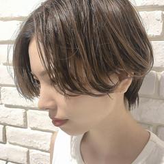透明感カラー ウルフカット 大人可愛い ショート ヘアスタイルや髪型の写真・画像