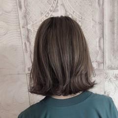 ローライト 切りっぱなしボブ ストリート 小顔ヘア ヘアスタイルや髪型の写真・画像