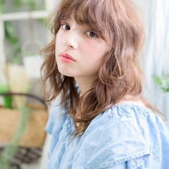 前髪あり 外国人風 アッシュ ミディアム ヘアスタイルや髪型の写真・画像