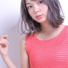 ミディアム 色気 ナチュラル 大人かわいい ヘアスタイルや髪型の写真・画像