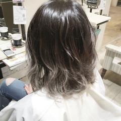 外国人風 黒髪 暗髪 ミディアム ヘアスタイルや髪型の写真・画像
