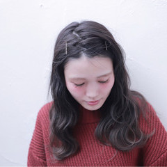 ナチュラル グラデーションカラー 暗髪 アッシュ ヘアスタイルや髪型の写真・画像