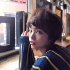 ストリート モード 秋 ウェーブ ヘアスタイルや髪型の写真・画像