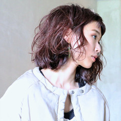 ストリート レッド アンニュイ ボルドー ヘアスタイルや髪型の写真・画像
