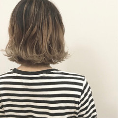外ハネ ボブ ロブ ハイライト ヘアスタイルや髪型の写真・画像
