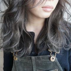 オリージュ セミロング 外国人風 グレー ヘアスタイルや髪型の写真・画像