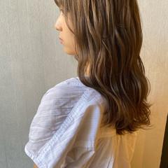 ロング アッシュベージュ ナチュラル ナチュラルベージュ ヘアスタイルや髪型の写真・画像