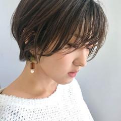 刈り上げ エレガント ショートヘア ショートボブ ヘアスタイルや髪型の写真・画像