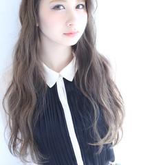 フェミニン 大人かわいい イルミナカラー ロング ヘアスタイルや髪型の写真・画像
