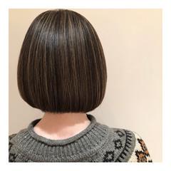 ボブ ナチュラル グレージュ 3Dハイライト ヘアスタイルや髪型の写真・画像