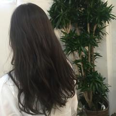 ロング アッシュグレージュ ウェーブ 外国人風 ヘアスタイルや髪型の写真・画像