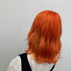 ストリート コテ巻き ブリーチ オレンジ ヘアスタイルや髪型の写真・画像
