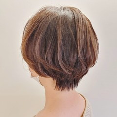 ショートヘア 縮毛矯正 ハンサムショート ナチュラル ヘアスタイルや髪型の写真・画像