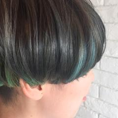 ガーリー ブルー インナーカラー マッシュ ヘアスタイルや髪型の写真・画像