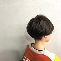 刈り上げ マッシュ ナチュラル ショート ヘアスタイルや髪型の写真・画像
