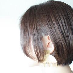 グレージュ ボブ シルバー グレー ヘアスタイルや髪型の写真・画像