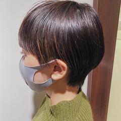 ウルフカット インナーカラー 切りっぱなしボブ ナチュラル ヘアスタイルや髪型の写真・画像