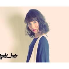ウェーブ アップスタイル ミディアム ストリート ヘアスタイルや髪型の写真・画像
