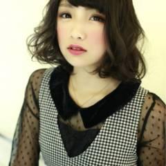 ミディアム ストレート 黒髪 ストリート ヘアスタイルや髪型の写真・画像