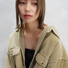 レイヤースタイル 透明感カラー ミルクティーベージュ レイヤーボブ ヘアスタイルや髪型の写真・画像