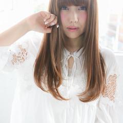 ハイライト パーマ ストレート 前髪あり ヘアスタイルや髪型の写真・画像