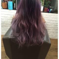 ストリート ピンク レッド ヘアスタイルや髪型の写真・画像