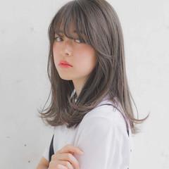 フェミニン 前髪 大人かわいい オフィス ヘアスタイルや髪型の写真・画像